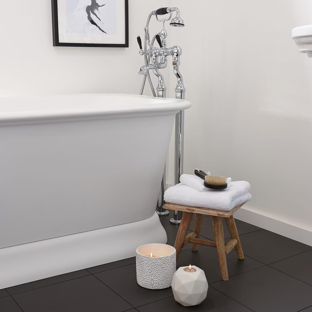 Stanlake Bath with White Plinth